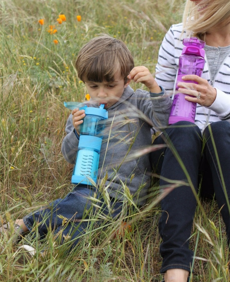 Water filter bottle for children and adults purifies flood water