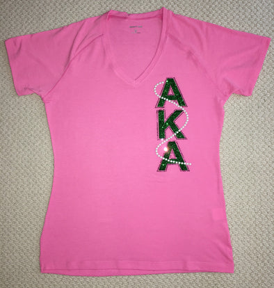 AKA V-Neck Signature Pearl T-shirt