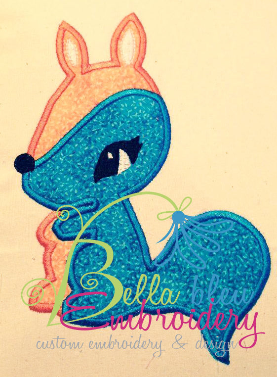Retro Squirrel Machine Applique Embroidery Design