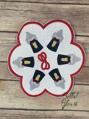 Nutcracker Candle Mat quilt stipple  ITH