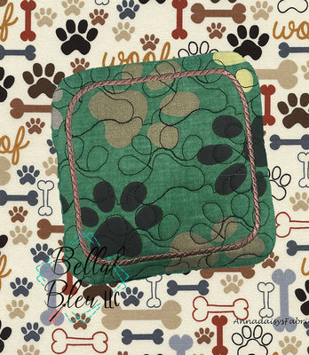 ITH Paw Print Dog Cat Stipple Mug Rug