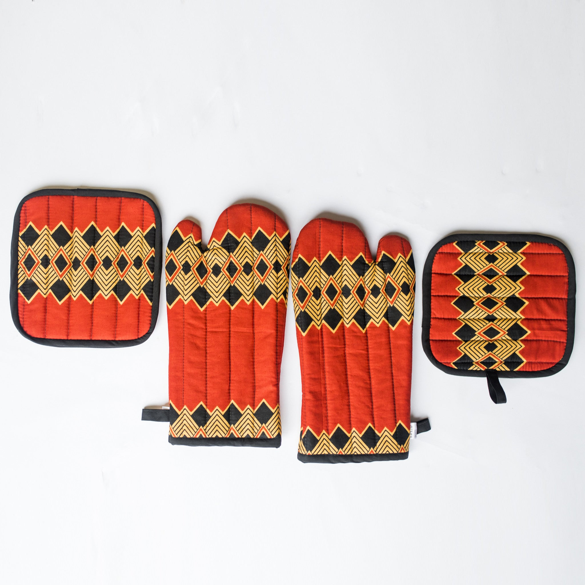 AFRICAN PRINT SET OF POT HOLDERS BY IBILE