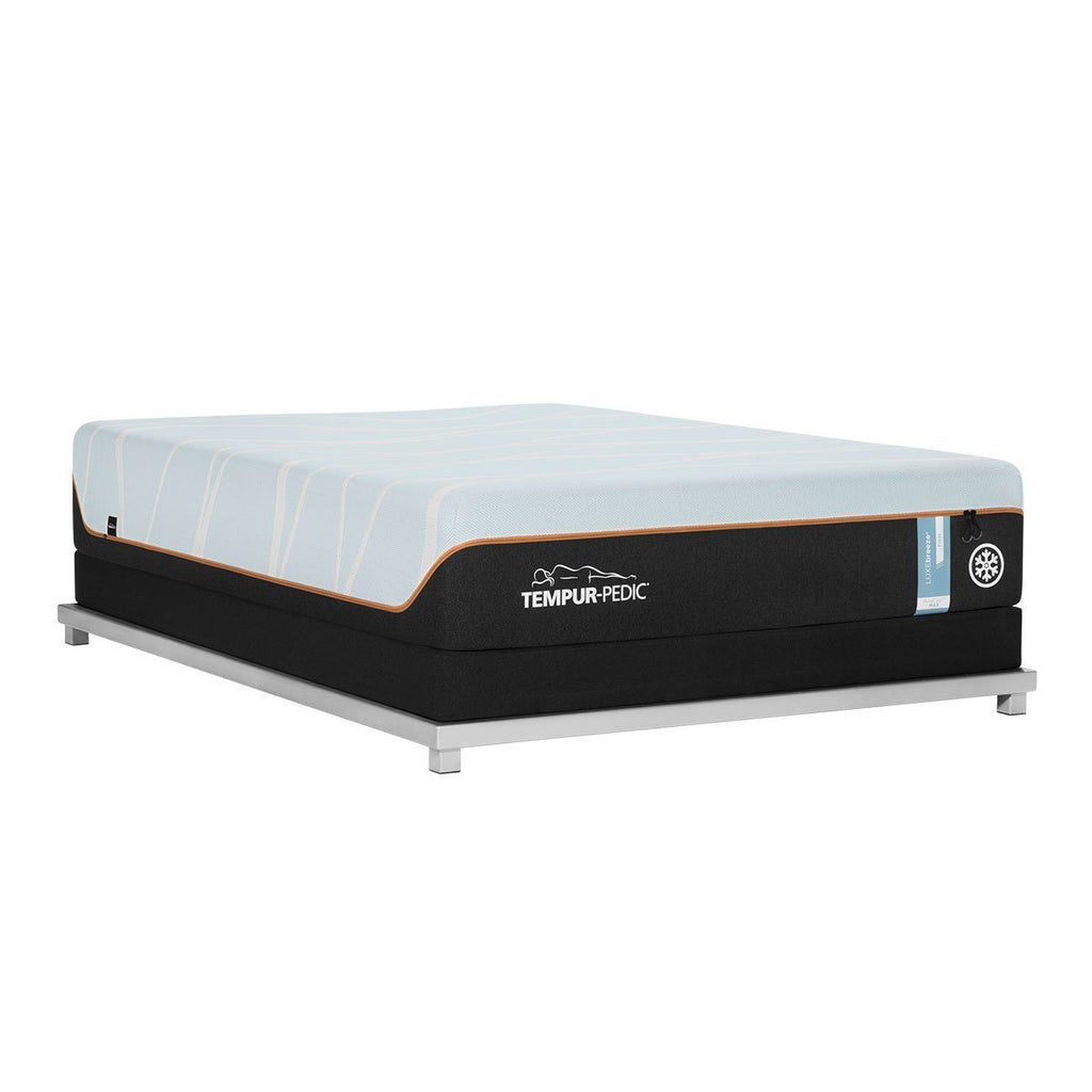 TEMPUR-LUXEBREEZE° FIRM MATTRESS AND BOXSPRING ANGLE