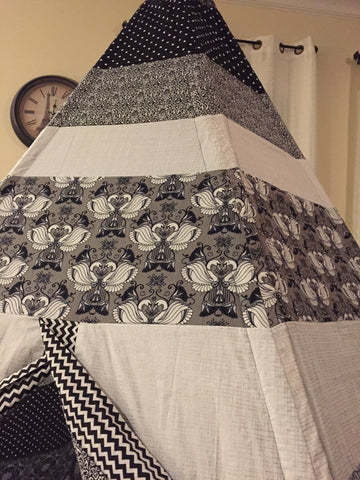 Deluxe Black and White Swans Teepee - Apryle's House