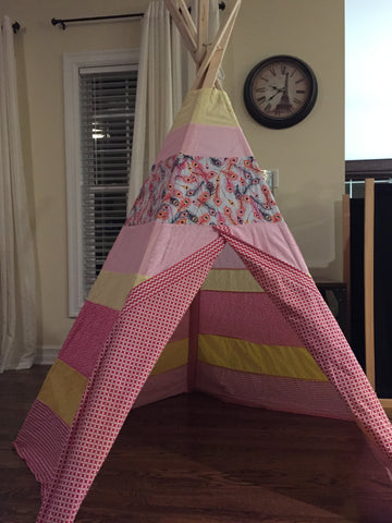 Classic Feathers Teepee - Apryle's House