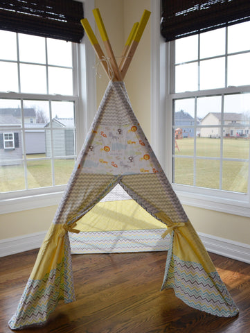 Compact Safari Animal Teepee in Yellow and Gray - Apryle's House
