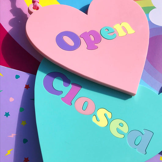 Acrylic heart shaped open and closed sign