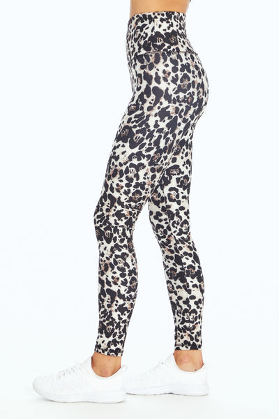BLACK / WHITE NATURAL LEOPARD