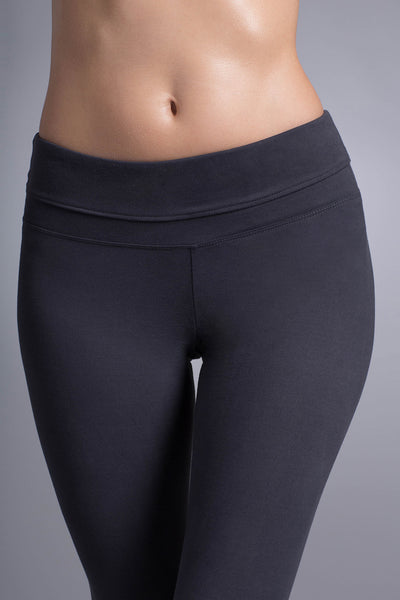 Ava Performance Slim Legging Capri