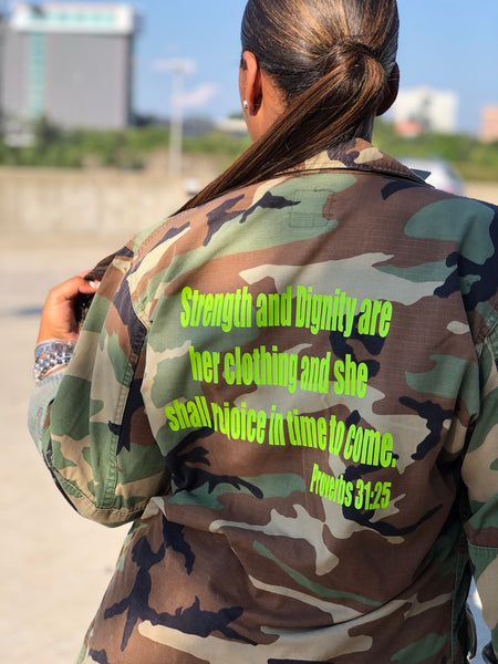 Strength and Dignity Vintage Army Fall 🍁 Jackets