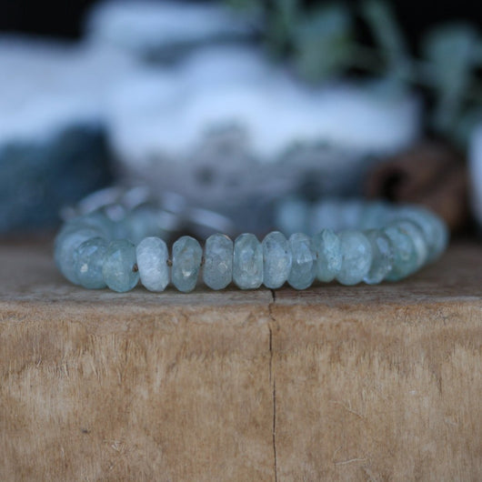 Elegant Aquamarine Gemstone Stacking Bracelet