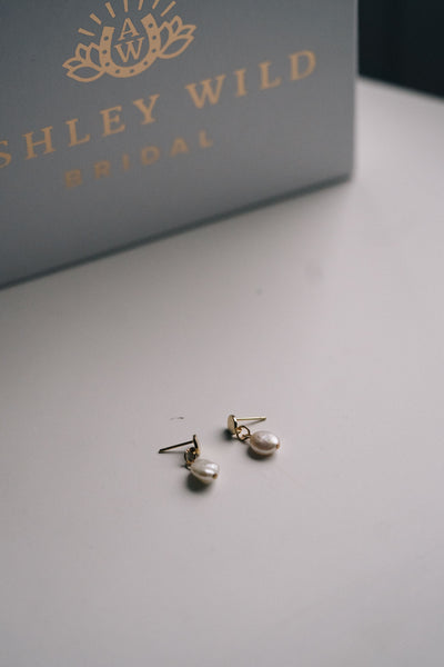 Gold stud circle earrings with drop freshwater pearls