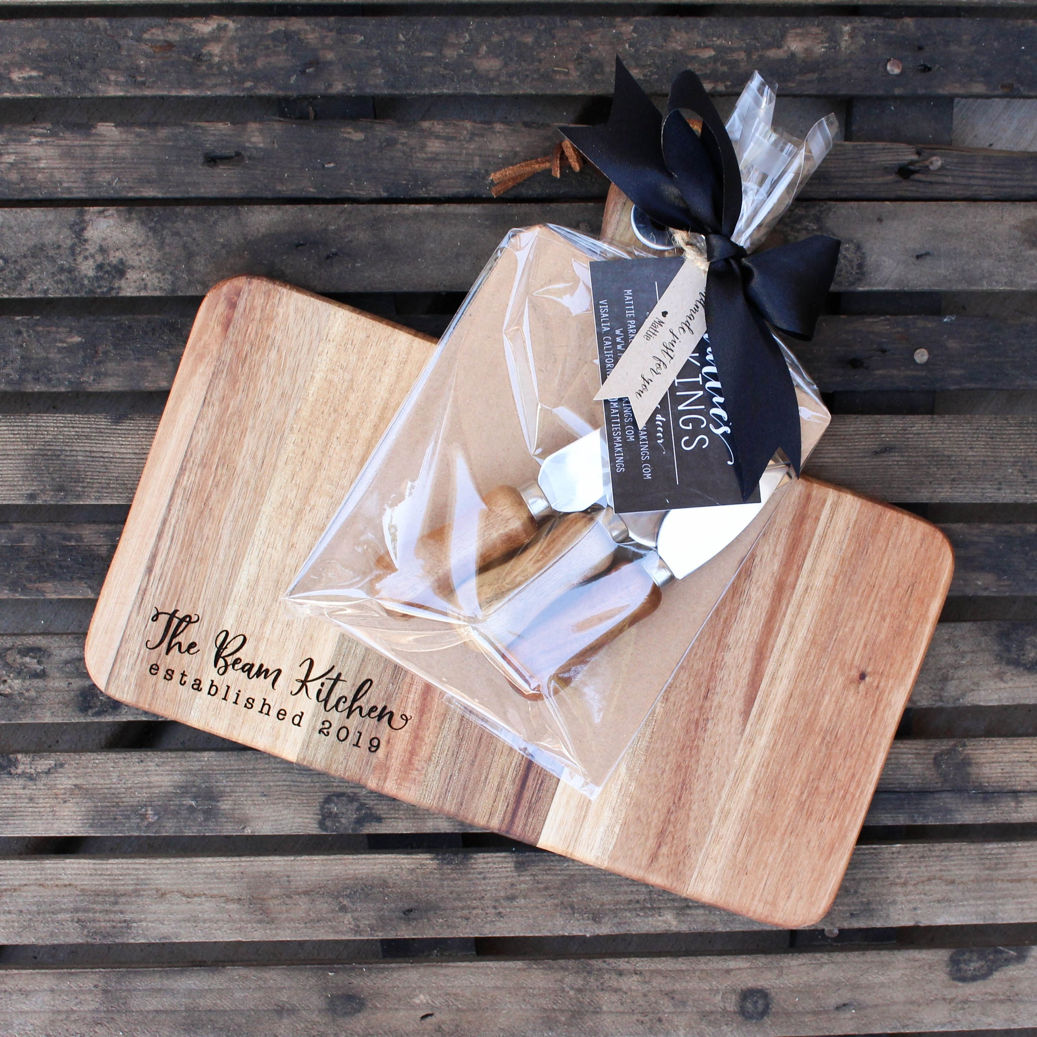 Cheese Board + Knife Set // Personalized // FREE SHIPPING