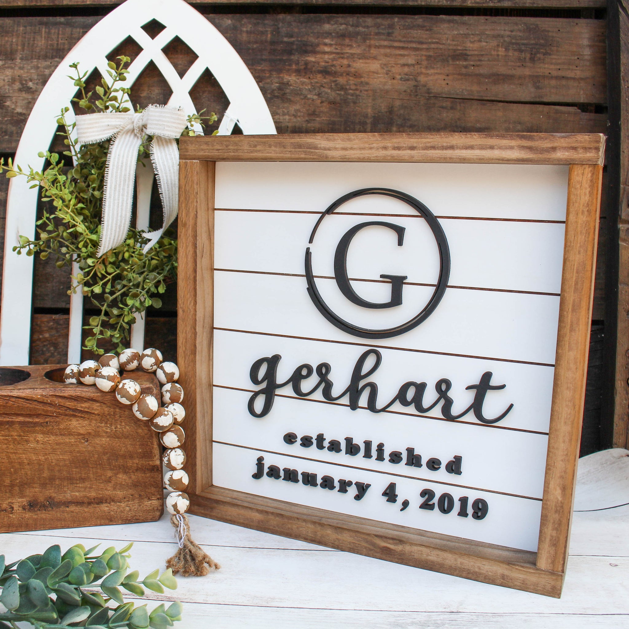 The Taylor: Personalized Last Name 3D Shiplap Sign - White Background // FREE SHIPPING