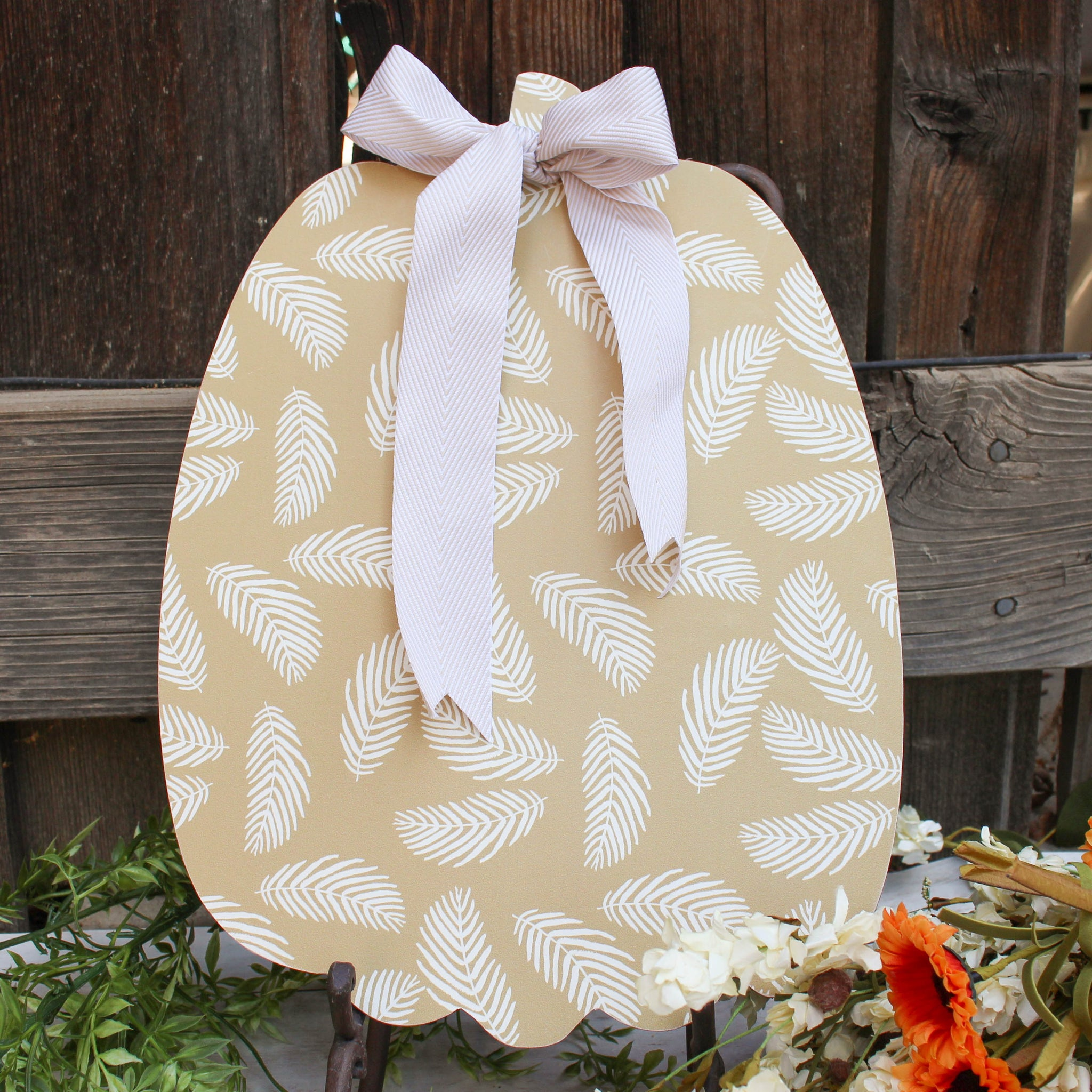Medium Paper Pumpkin // Tan & White Leaves