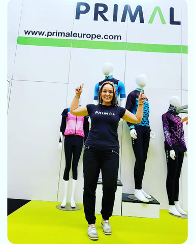 45122245c Rachael visiting the Primal Europe stand at the NEC Cycle Show