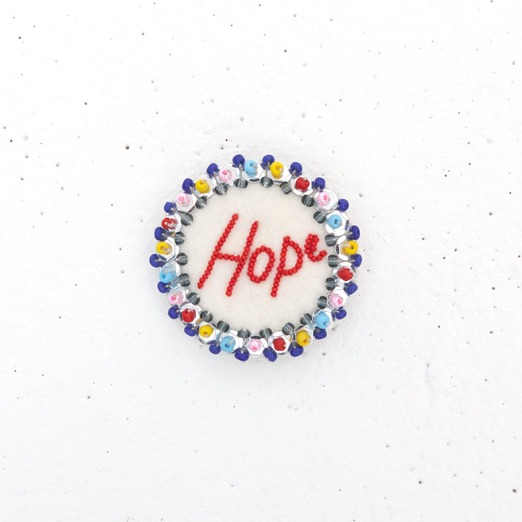 Statement Pin – Hope – Multicolor/Cream