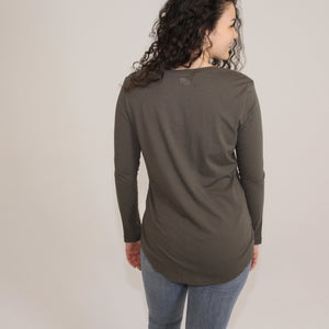 RELAXED LONG SLEEVE - OLIVE NIGHTS