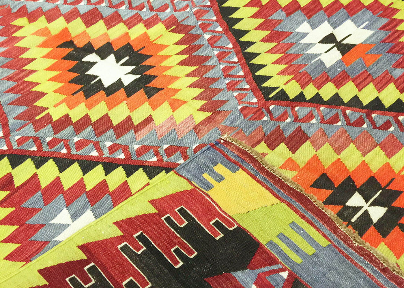 "Vintage Turkish Kilim - 6'11"" x 10'4"""