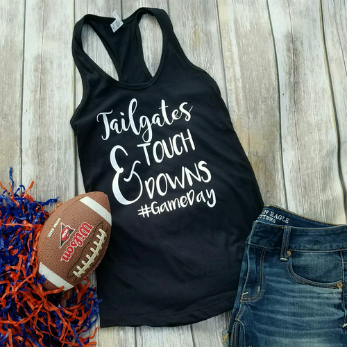 Tailgates & Touchdowns - Gameday shirts - Football shirts for women - Trendy football shirt