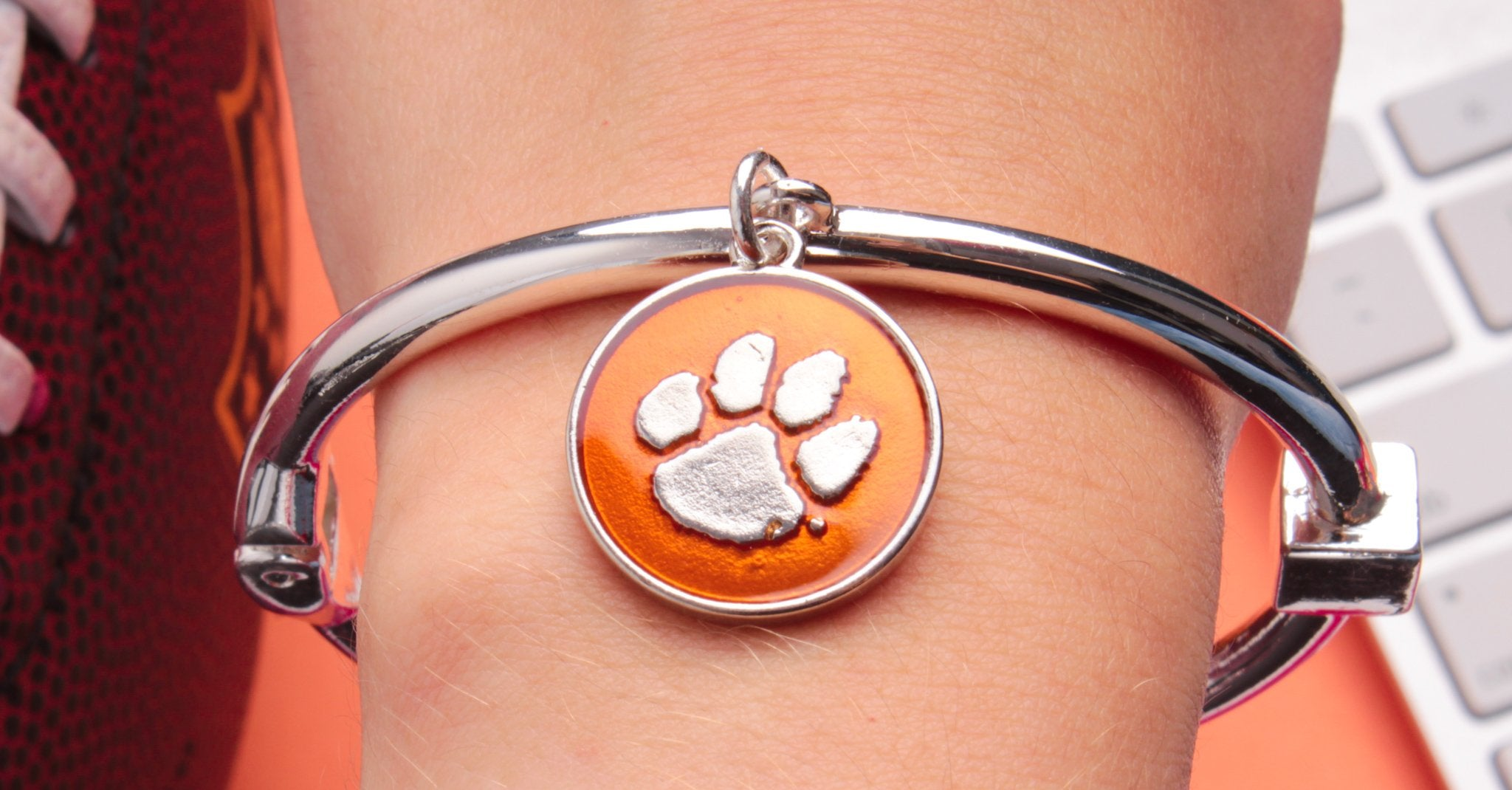 of necklace pendant pin tigers university chain paw clemson