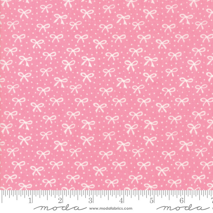 Best Friends Forever - Just a Pretty Bow Fabric - Trapunto