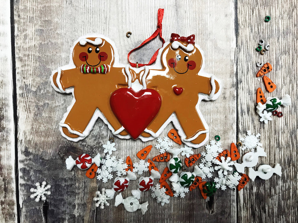 2 Gingerbread Men Hanging Christmas Decoration