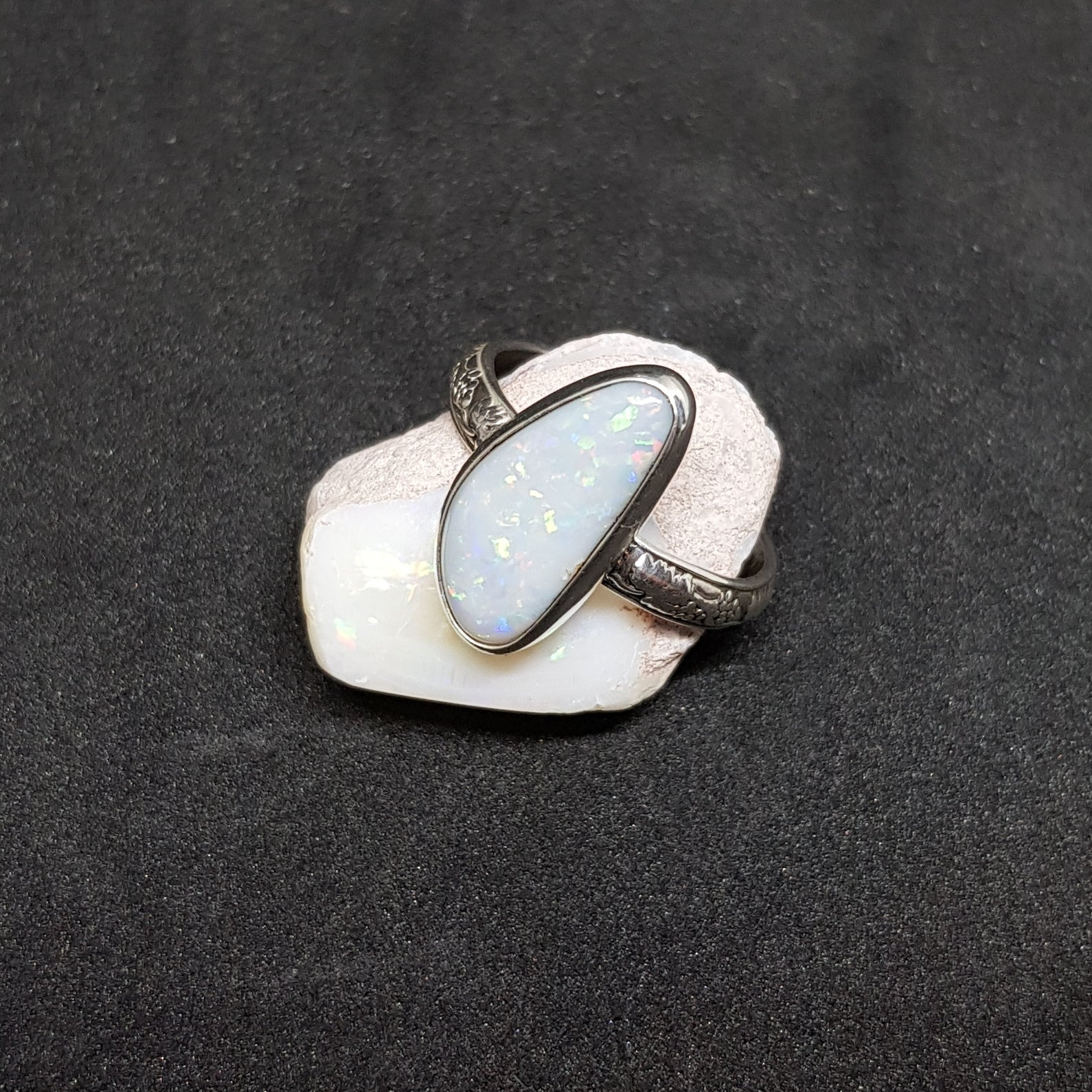 Coober Pedy Opal Ring 045T