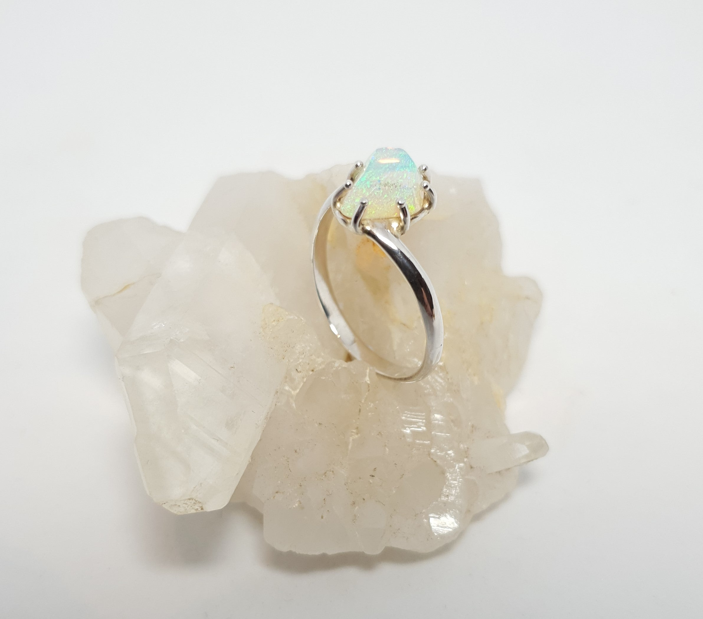 Queensland Crystal Seam Opal Ring 058E