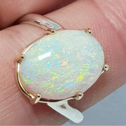 9ct gold Australian Crystal Seam Opal Ring 058M