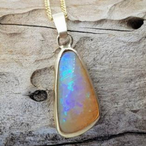 9ct Gold Coober Pedy Crystal Opal Pendant 058F