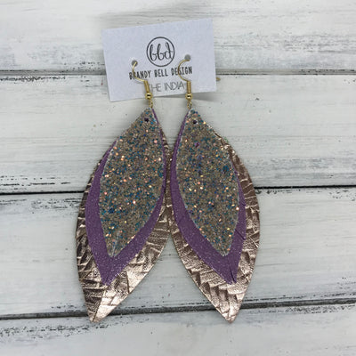 INDIA - Leather Earrings   ||  <BR> GLAMOUR GLITTER (FAUX LEATHER),  <BR> SHIMMER LILAC, <BR> METALLIC ROSE GOLD BRAIDED