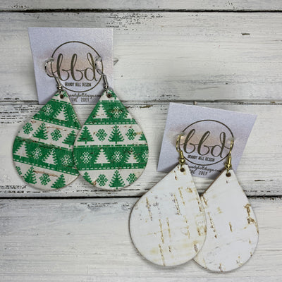 ZOEY (3 sizes available!) -  <BR> 2 PACK *LIMITED EDITION* CORK Earrings    ||  GREEN & WHITE CHRISTMAS TREES ON CORK / WHITE CORK