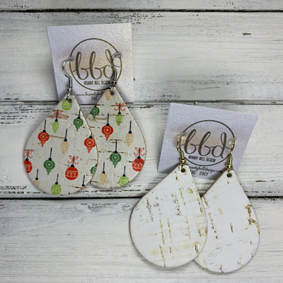 ZOEY (3 sizes available!) -  <BR> 2 PACK *LIMITED EDITION* CORK Earrings    ||  VINTAGE ORNAMENTS ON CORK / WHITE CORK