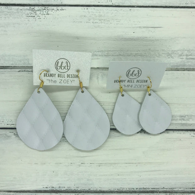 ZOEY (3 sizes available!) - Leather Earrings   ||  WHITE QUILTED