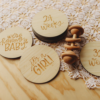 Lovely Lettering Pregnancy Milestones Set