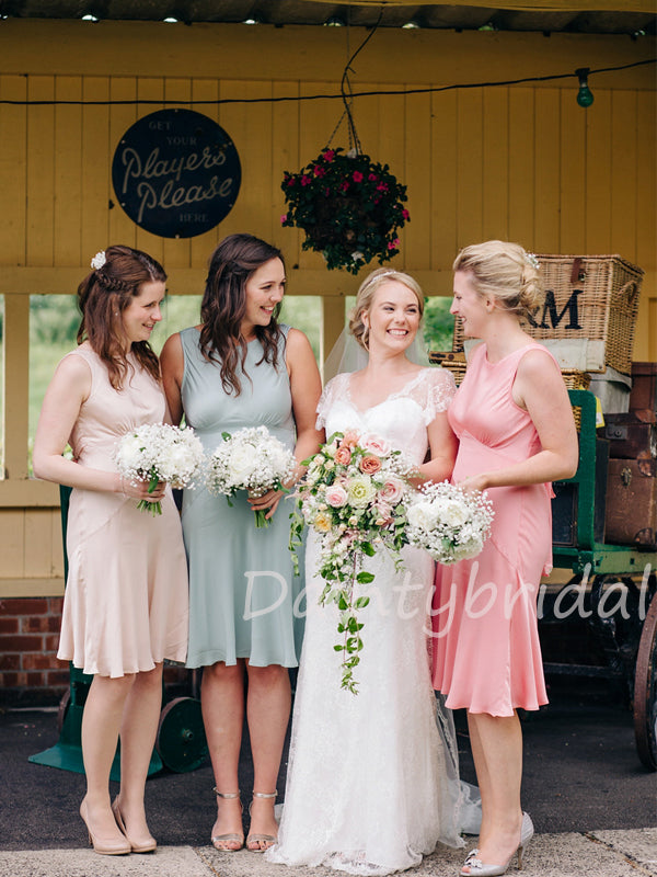 Charming Scoop Neck Knee Length Bridesmaid Dresses.DB10468