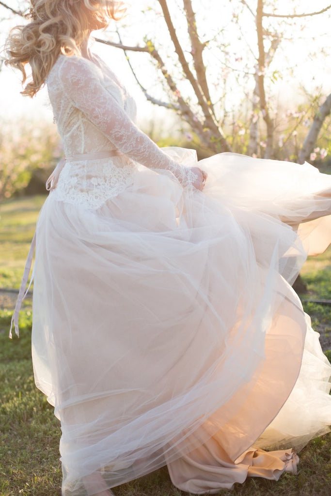 Classic Lace Top Tulle Ball Gown Long Sleeves Wedding Dresses,DB0154