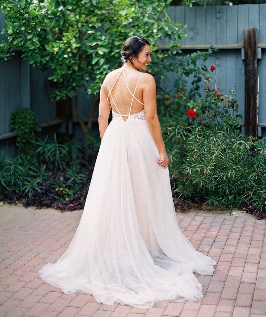 Simple Lace Tulle Backless Spaghetti Strap Long Aline Beach Wedding Dresses Wd0002: Simple Strap Wedding Dresses At Reisefeber.org