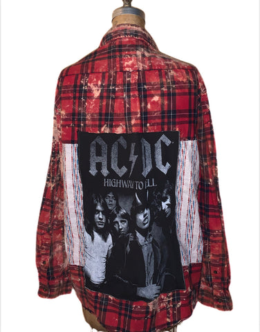AC/DC with vintage fabric underlay