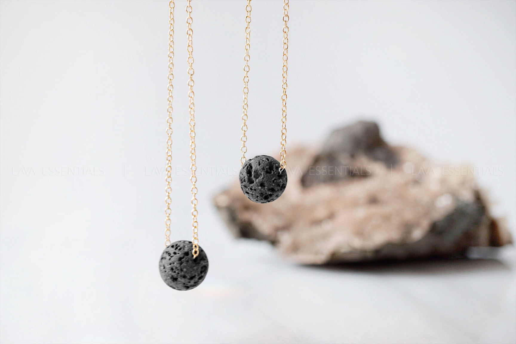 Floating Lava Minimalist Essential Oil Diffuser Necklace [G]+[S]+[RG] - Lava Essential Oils
