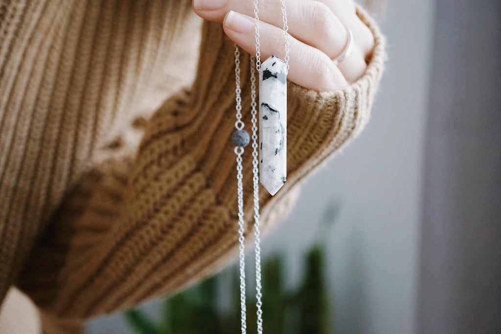 Moonstone Infinity Crystal Aroma Necklace [G]+[S] - Lava Essential Oils