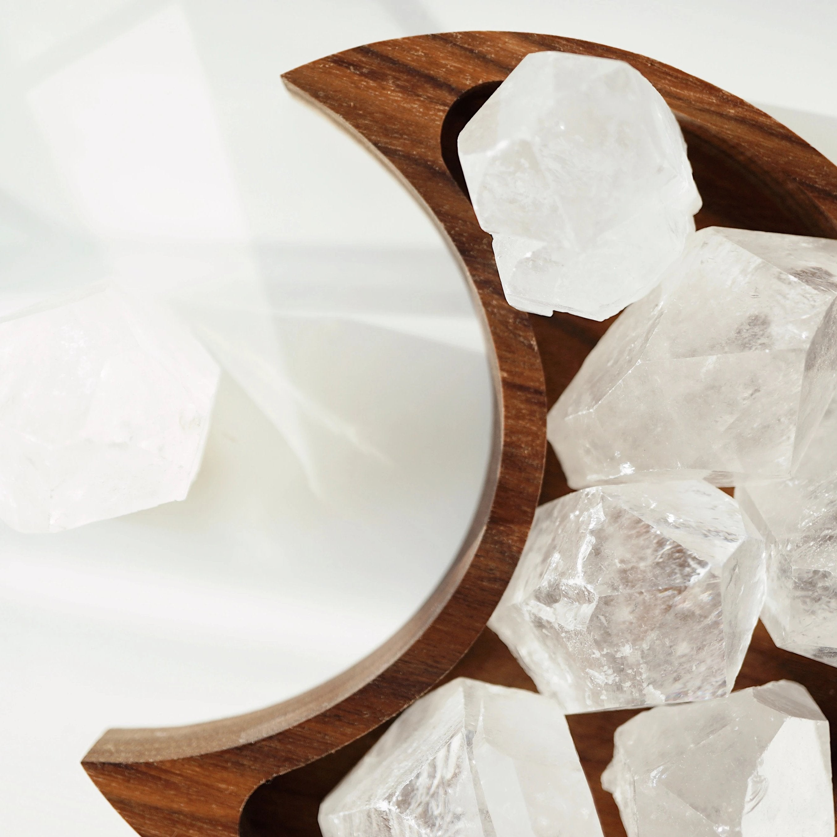 Quartz Crystal Point - Lava Essential Oils