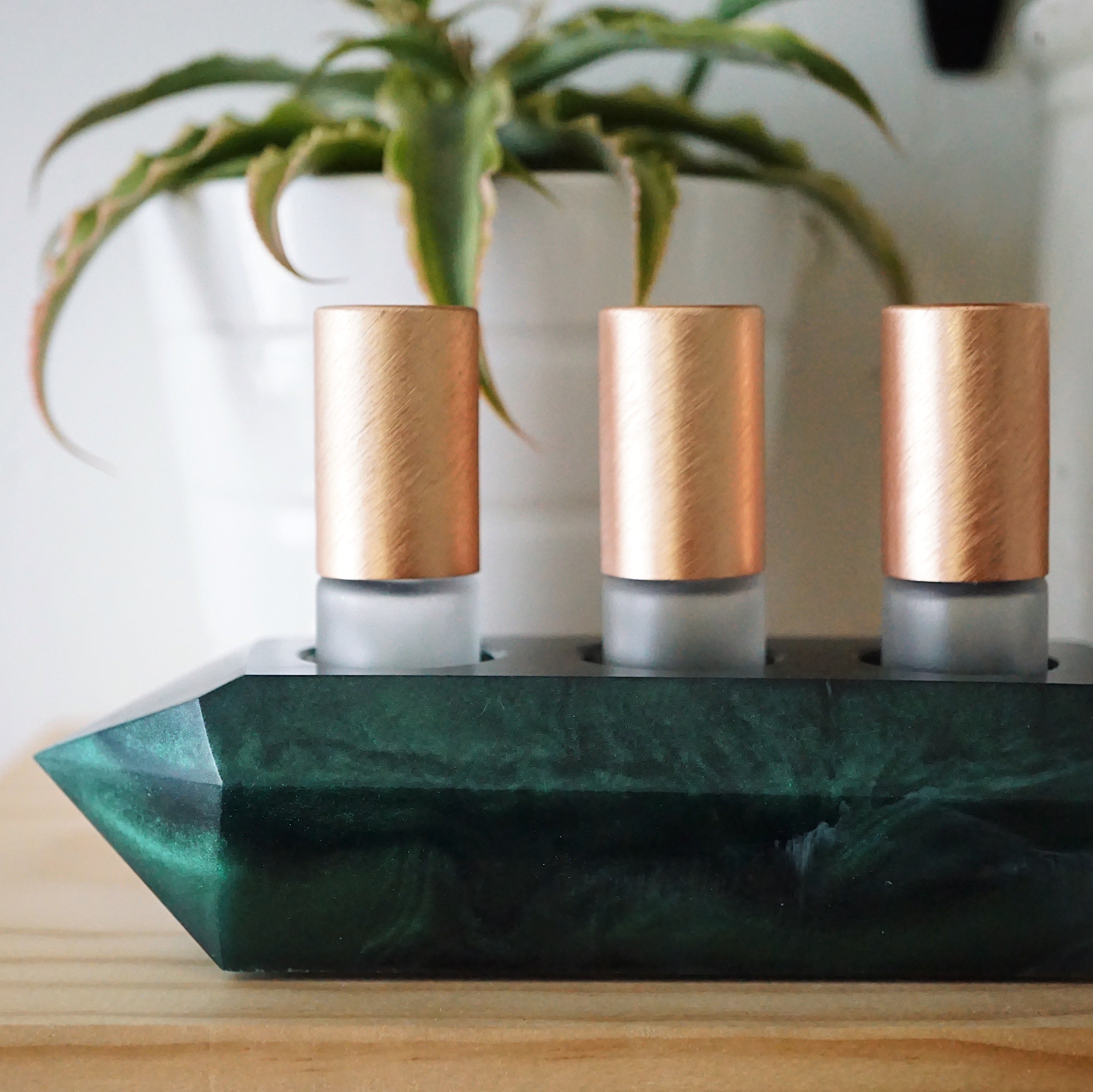 One-of-a-kind Crystal Point Essential Oil Holder • Inspired by Emerald (015)