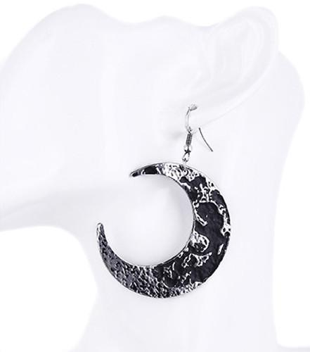 Moon Textured Gothic Earrings - Gemwaith