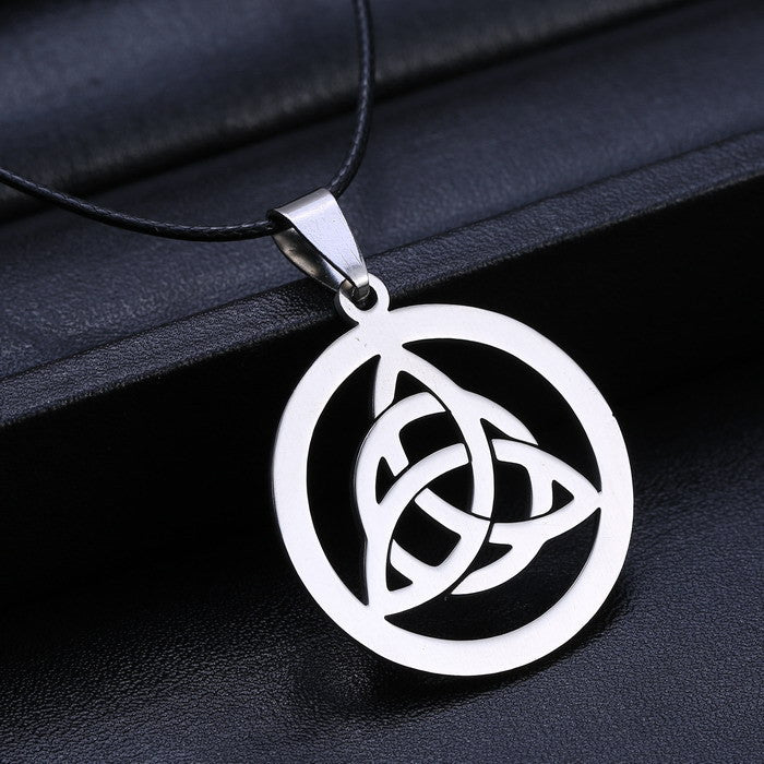 316L Stainless Steel Celtic Triquetra Pendant Necklace - Gemwaith