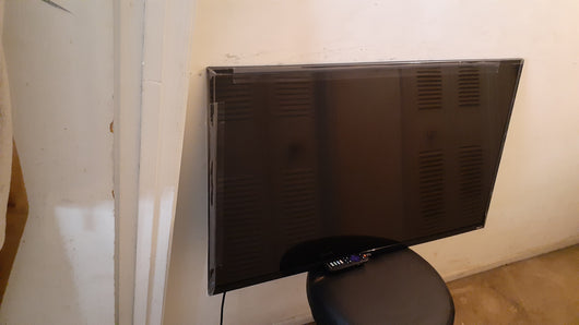 Roku TCL 43S421 tv (Local pickup only)**
