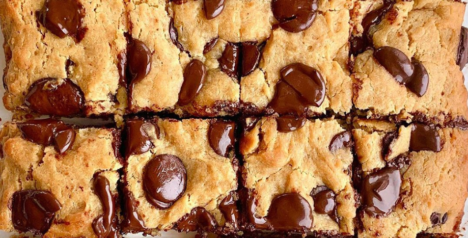DARK CHOCOLATE CASHEW BUTTER BLONDIES