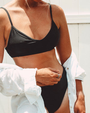 BLACK Teardrop Crop