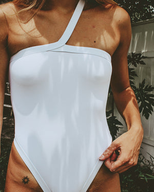 WHITE Scallop One Piece